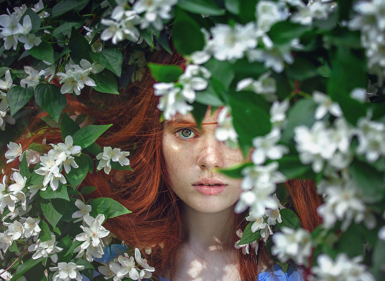 https://www.pexels.com/photo/art-attractive-beautiful-beauty-458381/