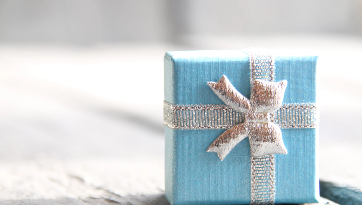 https://500px.com/photo/189530267/gift-wrapped-with-ribbon-vintage-style-by-alexsander-mudrecov?ctx_page=2&from=search&ctx_q=wrapped+gift&ctx_type=photos&ctx_sort=pulse
